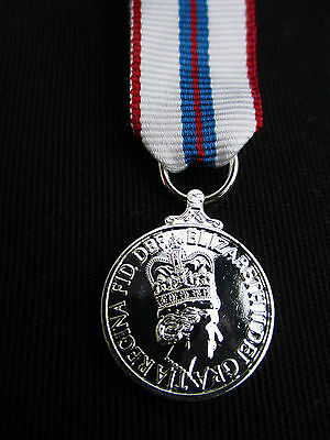 BRITISH ARMY,RAF,RN,RM - Queen's Silver Jubilee 1977 Miniature Mess Dress Medal • 7.49£