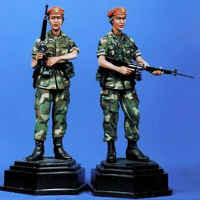 Sol Resin Factory, Mm011, 1:35, Military Policewoman Mp Bde Grenad (2 Figures) • 14.99£