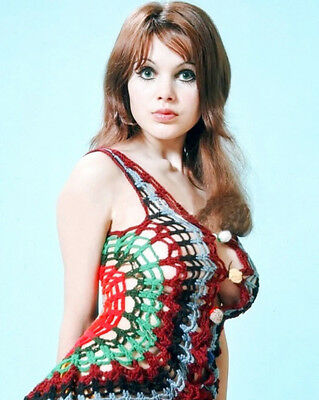 £2.09 • Buy Madeline Smith UNSIGNED Photograph - K8917 - SEXY!!!!