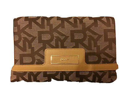 £89 • Buy Dkny Logo Small Chino Tan Flap Shoulder Smart Bag With Gold Chain Strap