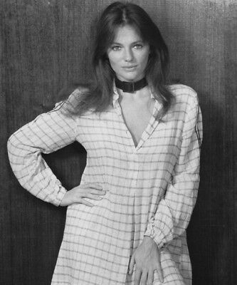 £2.99 • Buy Jacqueline Bisset UNSIGNED Photograph - L5341 - SEXY!!!!! - NEW IMAGE!!!