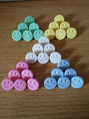 Smiley Face Buttons 15mm Round Shank, Baby,children.Novelty 26 COLOURS TO CHOOSE • 2.35£