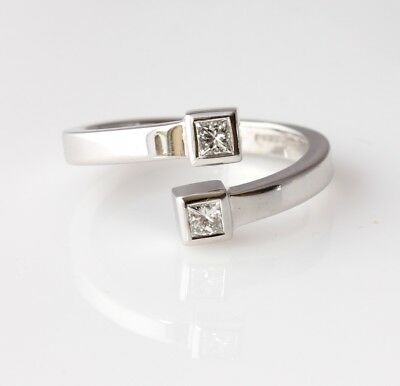 18ct White Gold & VS Princess Diamond Two 2 Stone Crossover Ring. Size N 1/2 • 450£