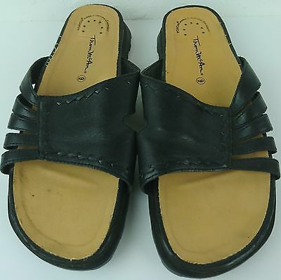 6a2143414fb1 Thom McAn Women Veronica Size 9 BLack Leather Slides Sandals Shoes • 15.40