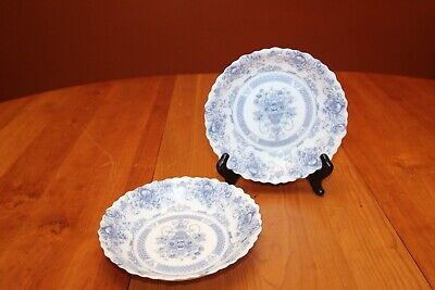 Two Arcopal Honorine 7  Scalloped Edge Cereal Soup Bowls France Gently Used • 10$