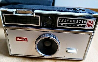 Kodak Instamatic 104 Vintage Camera In Case Photo History Old Pictures Photograp • 24.95£