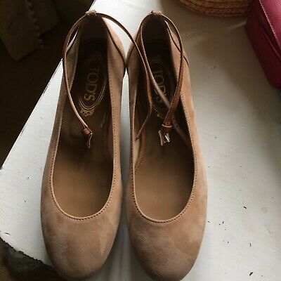 Tod's Light Tan Suede Flat Form Wedge Pumps 37.5 • 55£