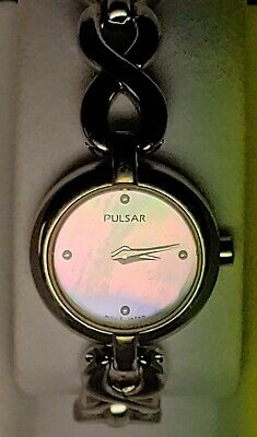 $ CDN30 • Buy Pulsar Seiko Woman's Watch Mother Of Pearl Dial With Extra Silver Expansion Band