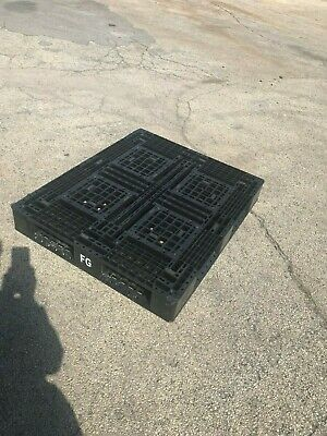 $22 • Buy Used Plastic Pallets 40  X 48 , Chicago