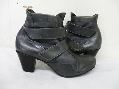 $26.95 • Buy Everybody By BZ Moda Gray Leather Ankle Boots Womens Size 37 EUR