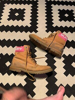 Womans Size 8 Superdry Boots • 12£