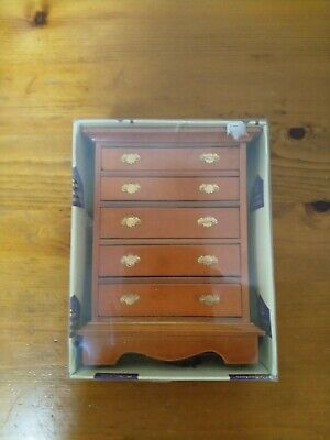 Hickleton Collectors Chest Of Drawers. • 3£
