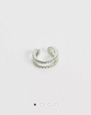 ASOS DESIGN Ear Cuff In Double Row Engraved Design In Silver Tone • 3.99£