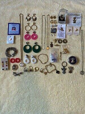 $ CDN61.22 • Buy LOT Of Assorted Vintage Estate Costume Jewelry