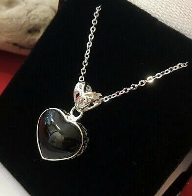 Medium Filligree Sterling Silver & Whitby Jet Heart Pendant & Chain • 55£