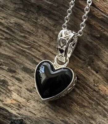 Small Filligree Sterling Silver & Whitby Jet Heart Pendant & Chain • 52£