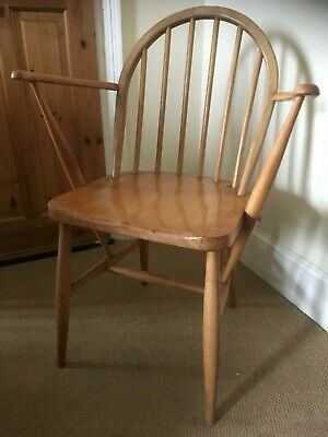 Ercol Windsor Elm And Beech Armchair In Light Finish • 110£
