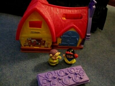 FISHER PRICE LITTLE PEOPLE DISNEY SNOW WHITE COTTAGE/Musical • 11.95£