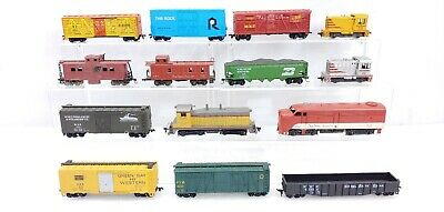 $ CDN74.27 • Buy HO Trains Lot Of 14 Locomotive Freight Cars As Is