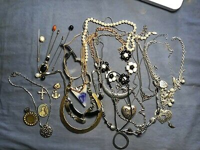$ CDN7.49 • Buy Lot Of Costume Necklaces And Hair Pins - Over 1lb