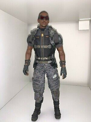 $ CDN396.72 • Buy Hot Toys MMS245 - The Falcon - 1/6 Figure Captain America: Winter Soldier Marvel