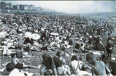 £1.75 • Buy Nostalgia Postcard: Brighton Heatwave In August 1937 Reproduction Card S3