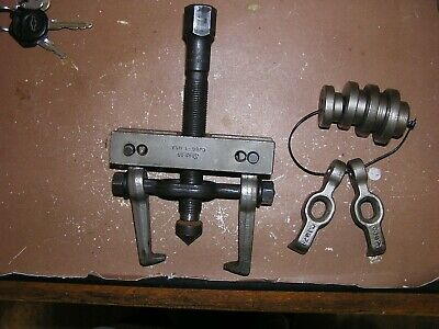 $149.99 • Buy Snap On Gear Bearing Puller CJ86-1 W/2 Sets Of Jaws 4 Centering Plates FREE Ship