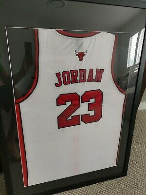 AU5500 • Buy Michael Jordan Hand Signed Framed Chicago Bulls Jersey White COA