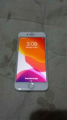 AU153.51 • Buy Apple IPhone 7 128GB - Silver Unlocked A1778 GSM AU Stock Cracked Outer Screen