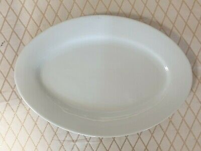 White Oval Plates - Set Of 4 • 20£