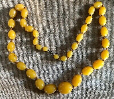Vintage Butterscotch Amber Polished Graduated Bead Necklace • 165£
