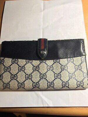 $100 • Buy Gucci Vintage Wallet Accessory Collection