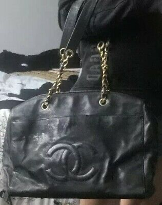 AU750 • Buy Chanel Vintage 90s Black Leather Shoulder Bag Large Size