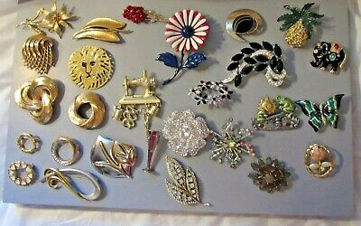 $ CDN67.97 • Buy Costume Jewelry Lot Of Brooches And Pins Monet, Sarah Coventry, DD, Etc