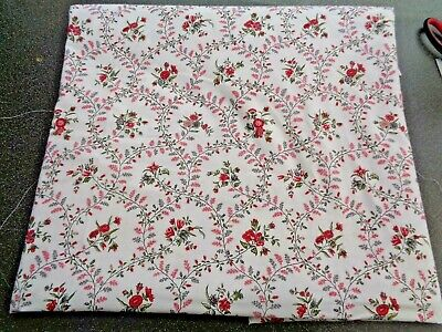 FAT QUARTER Unused VINTAGE Haberdashery Cotton FABRIC FQ Cream Red Flowers Buds • 2.99£