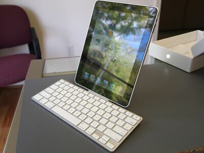 GENUINE Apple A1359 Keyboard Dock For Ipad And Iphone 1/2/3rd Generation • 9.99£
