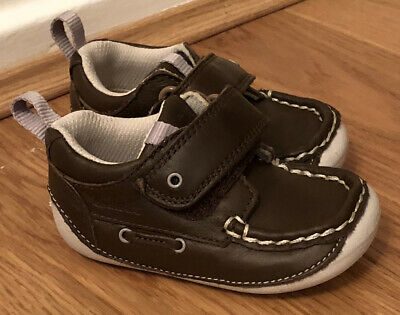 £15 • Buy Infant Baby Boys Clarks Rounded Toe Hook & Loop Cruiser First Shoes