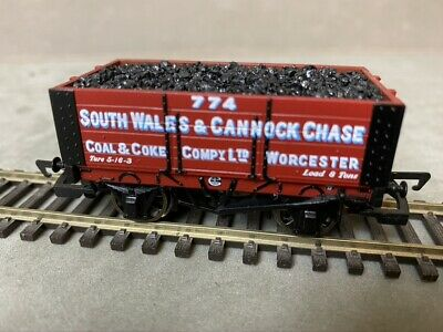 Hornby South Wales & Cannock Chase 6 Plank Wagon R6135 • 15£