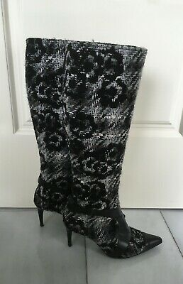 £346.91 • Buy Chanel Black Camellias Leather Tweed Boots