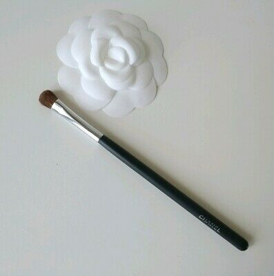 Genuine Chanel Small Eyeshadow Brush N° 15 RRP £26 • 15£