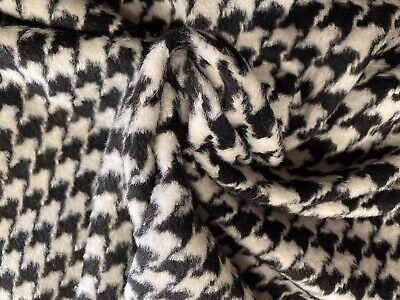 £9.99 • Buy Houndstooth Moufflon Brushed Wool Blend Fabric, Per Metre