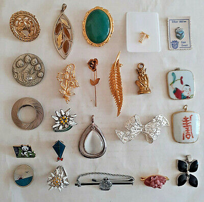 Mixed Lot, Joblot Costume Jewellery, Brooches, Pendants, Badges • 5.50£