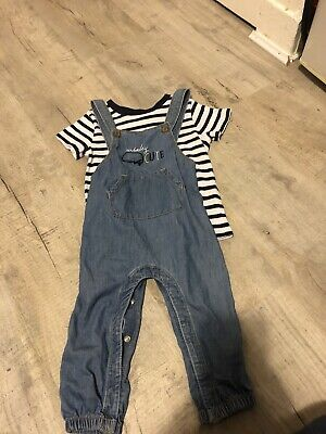Boys 12-18 Months Dungarees • 2.10£