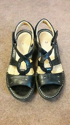 Clarks Artisan Unstructured Black Leather Wedge Sandals / Shoes. Size UK 6. • 17.50£