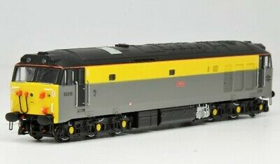 Limited Edition N Gauge Class 50 Valiant 50015 Analogue • 106.50£
