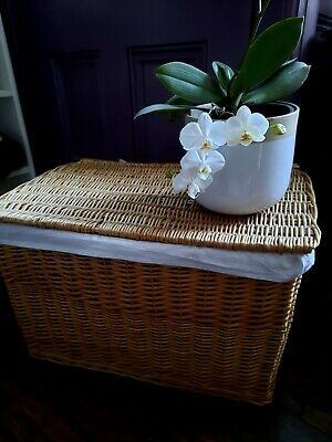 Wicker Laundry/Storage Basket Large With Lining And Handles • 20£
