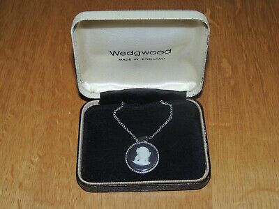Wedgwood Black Pendant Necklace Hallmarked Silver - Case - Excellent Condition • 15£