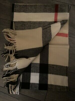 Authentic Burberry The Classic Check Cashmere Scarf For Women - Camel 🧣 • 36£