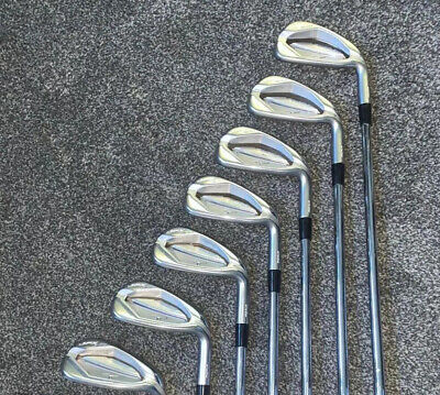 Mizuno JPX 900 Hot Metal Irons 4-PW Right Handed • 195£