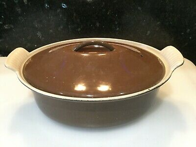 Le Creuset Cast Iron Oval Casserole Pan With Lid - 26cm Brown Colour • 35£